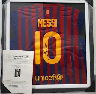 Jersey Barcelona Lionel Messi Nomor 10 Tanda Tangan Messi Bersertifikat MSS001