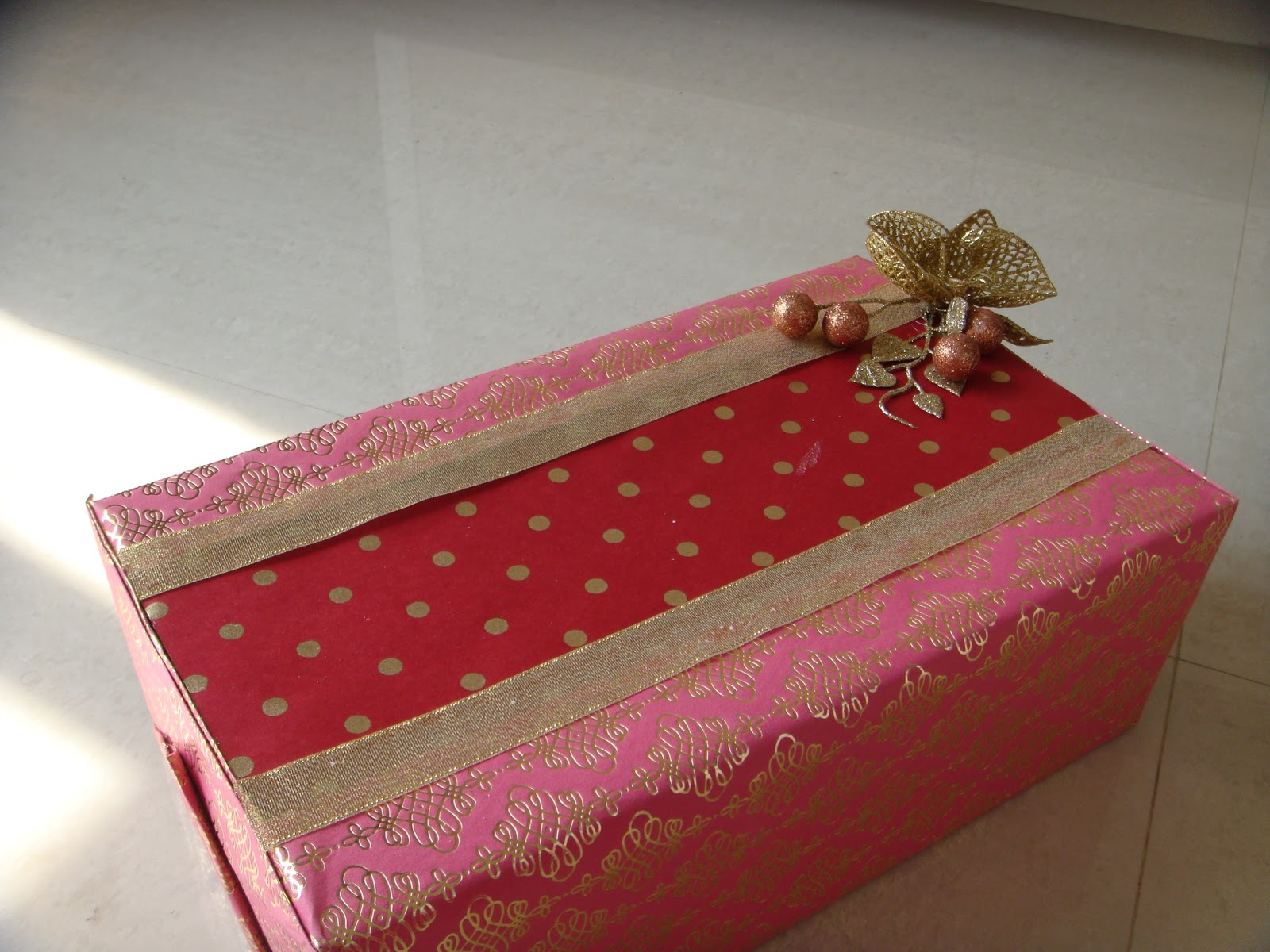 The Golden Leaf: Ethnic gift packing