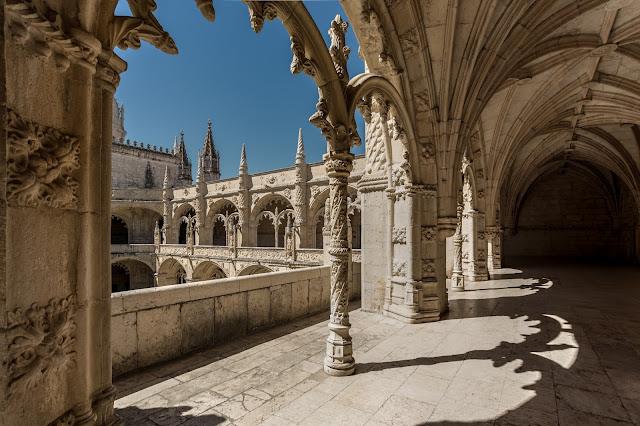 Claustro Alto, Monasterio de los Jerónimos :: Canon ISO100 | Canon 17-40@17mm | f/8.0 | 1/160s