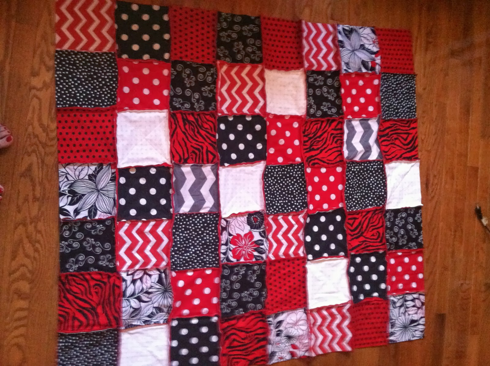 georgia bulldog colors rag quilt | did you make that?