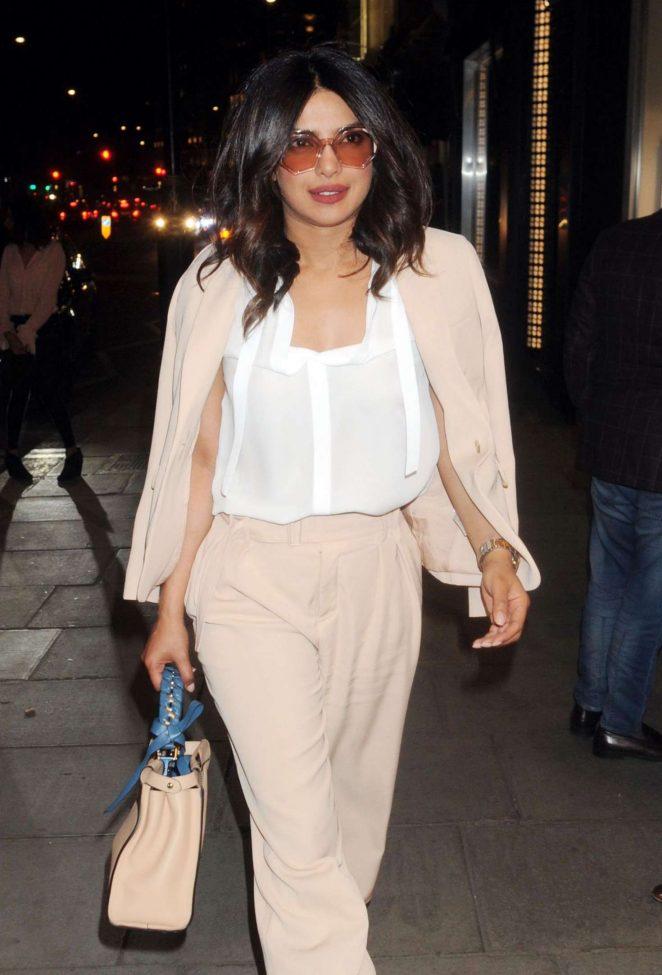 Priyanka Chopra Hot Photo Gallery