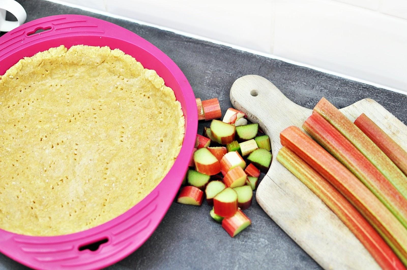 kruche-ciasto-z-owocami
