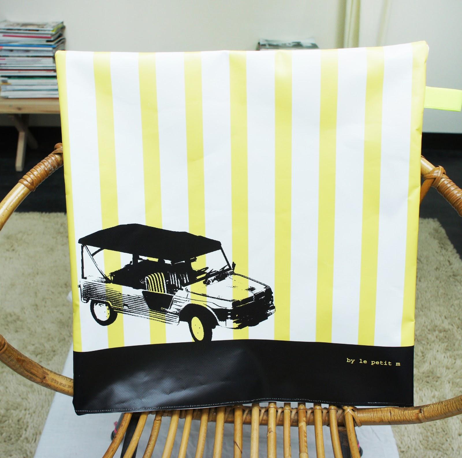 le petit m housse de coussin d 39 ext rieur. Black Bedroom Furniture Sets. Home Design Ideas