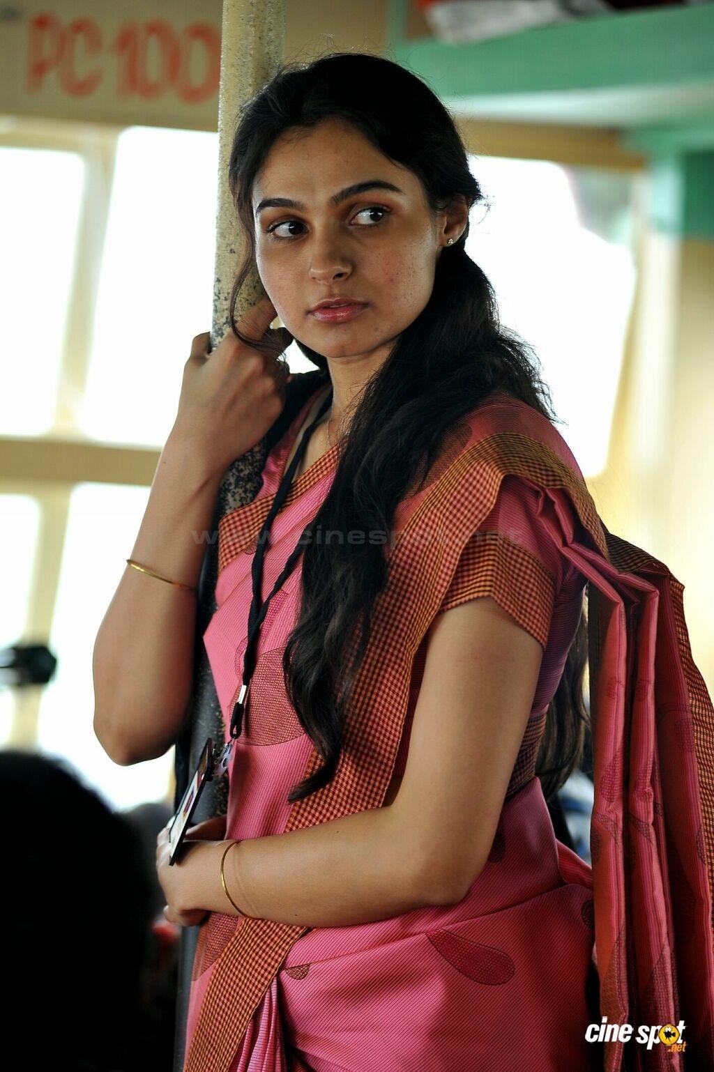 Andriya Hot In Saree
