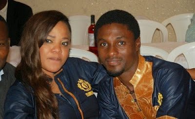 Toyin Aimakhu & Husband Put The Past Behind Them, Exchange Greetings At Movie Location