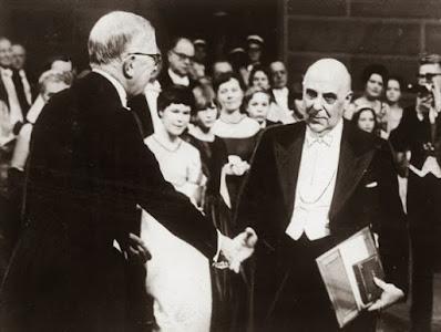 Ο Γιώργος Σεφέρης παραλαμβάνει το Νόμπελ Λογοτεχνίας 10 Δεκεμβρίου το 1963