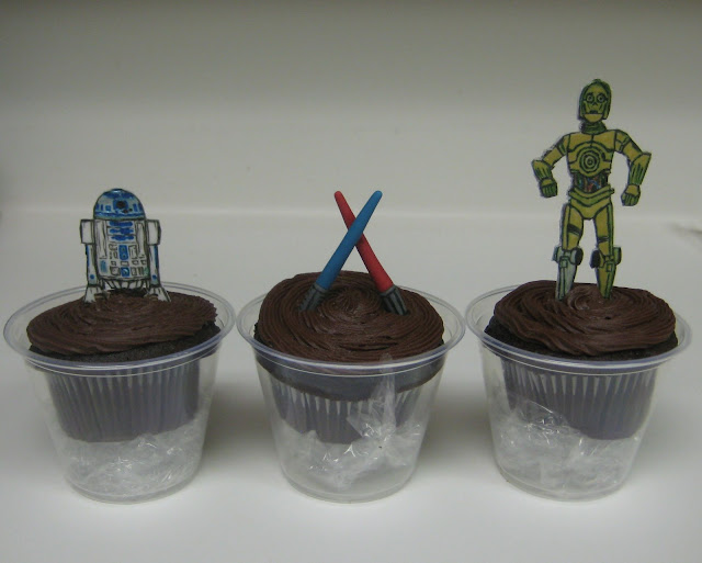 Star Wars Themed Cucpakes 1 - R2D2, Lightsabers, C3PO