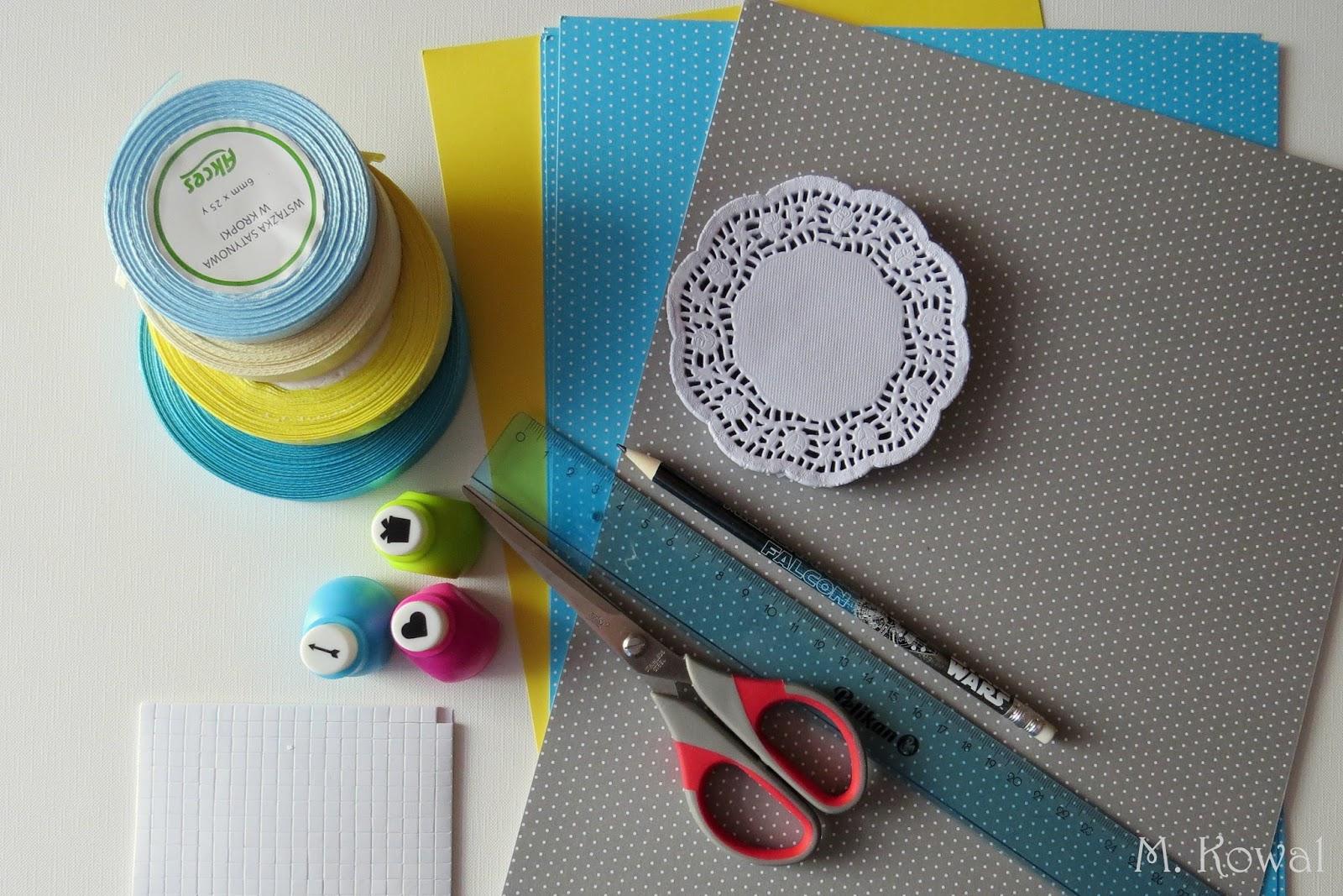 papier w kropki, nożyczki, wstążka, serwetka, linijka, ołówek