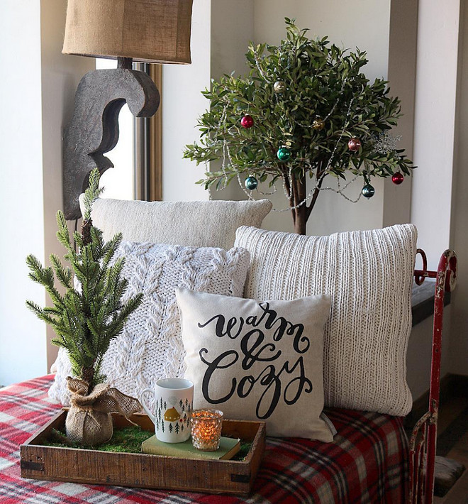 Farmhouse Kitchen Christmas Decor: Decordemon: Rustic Farmhouse With A Charming Festive
