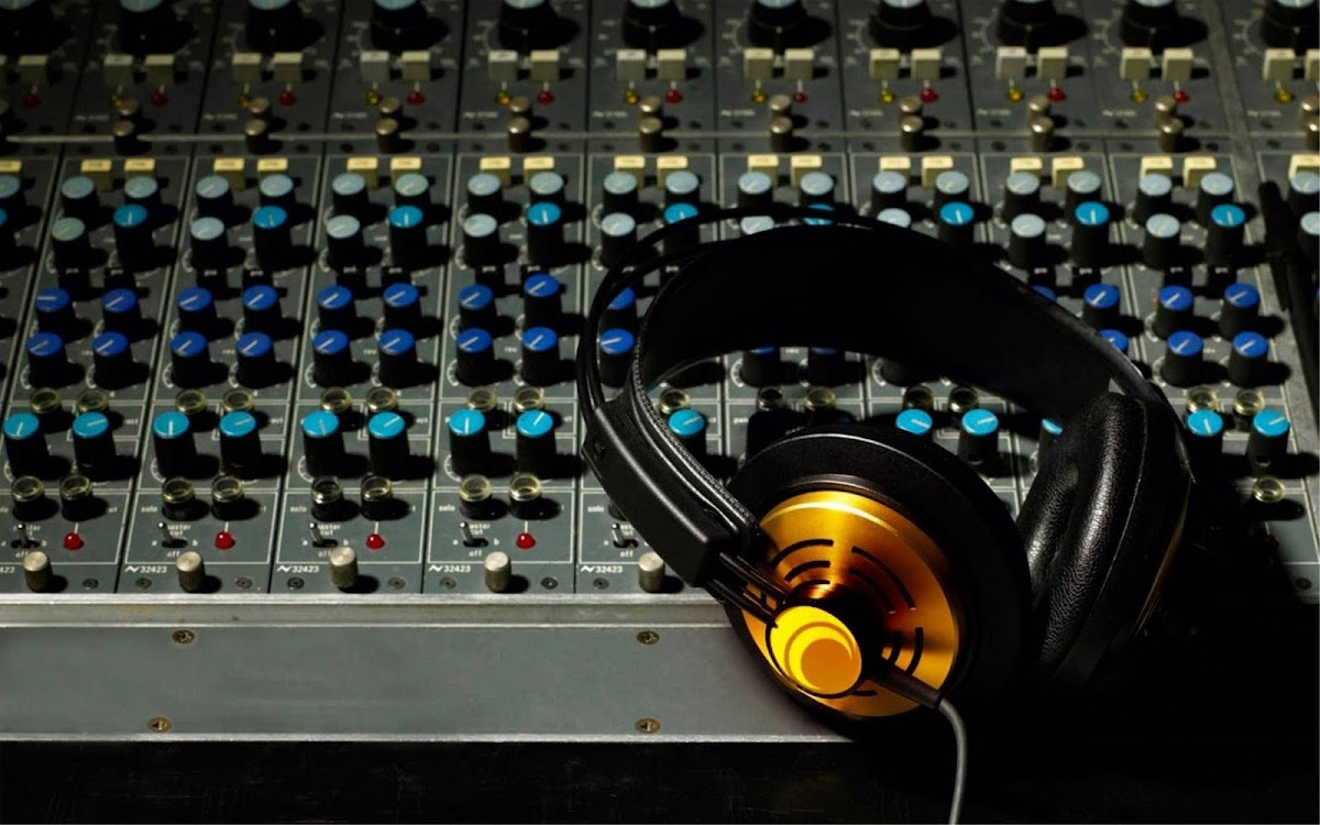 Amazing Headphone Widescreen HD Wallpaper 7