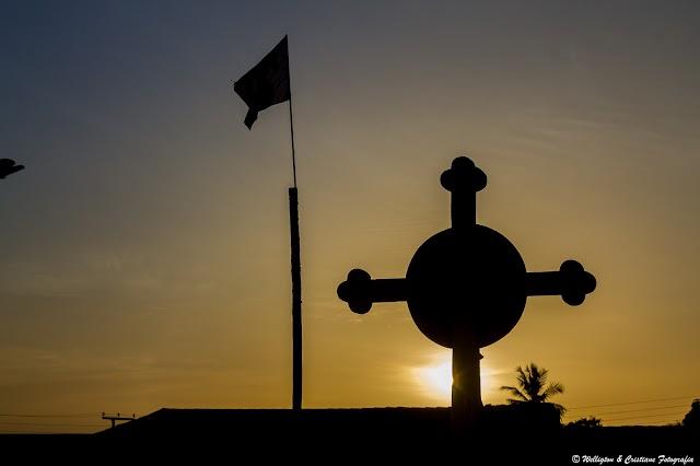 Pôr do sol na Igreja Matriz de Chaval
