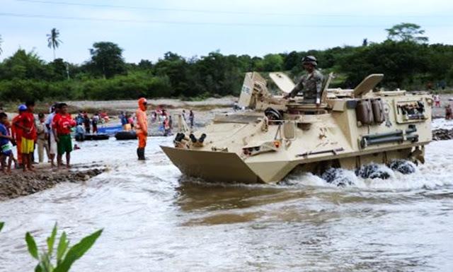 Puira: Vehículos anfibios de la Marina de Guerra transportan a pobladores de Malingas