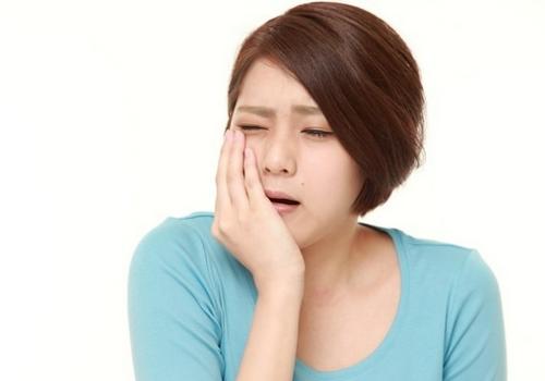 Meredakan sakit gigi secara cepat aman serta ampuh dengan metode alami