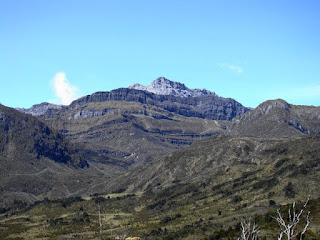 3. Puncak Trikora, Papua (4.750m)