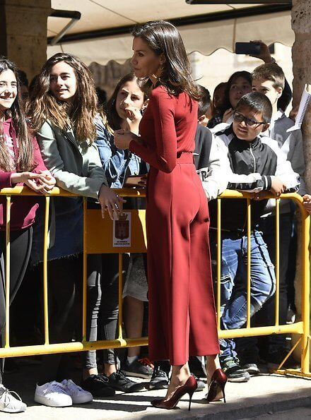 Letizia wore Hugo Boss Frankie wool Sweater Hugo Boss Trima cropped wide leg trousers, Lodi Ranero xgo pumps
