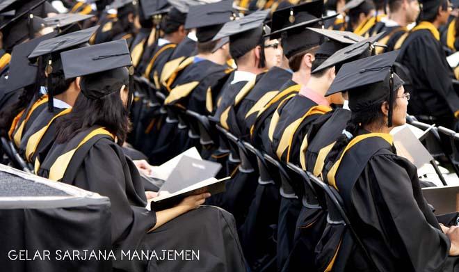 Gelar Sarjana pada Program Studi Manajemen