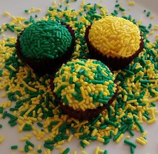 https://www.receitaonlinee.com/2018/06/brigadeiro-verde-e-amarelo-para-copa.html