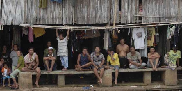 Ekonomi meroket dibanggakan Jokowi ternyata tak pernah dirasakan masyarakat