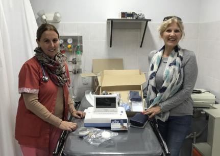 Cooperadora del hospital entregó un Monitor Fetal y un Oxímetro
