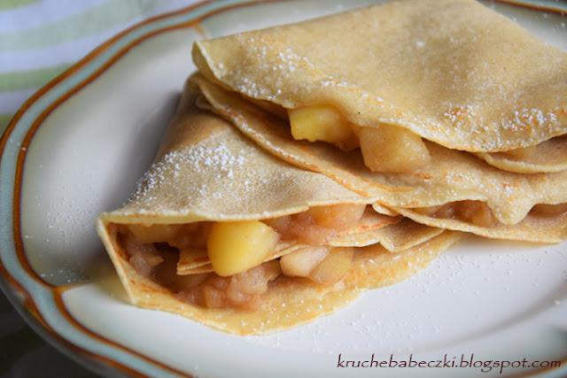 Naleśniki amarantusowe z jabłkami i cynamonem