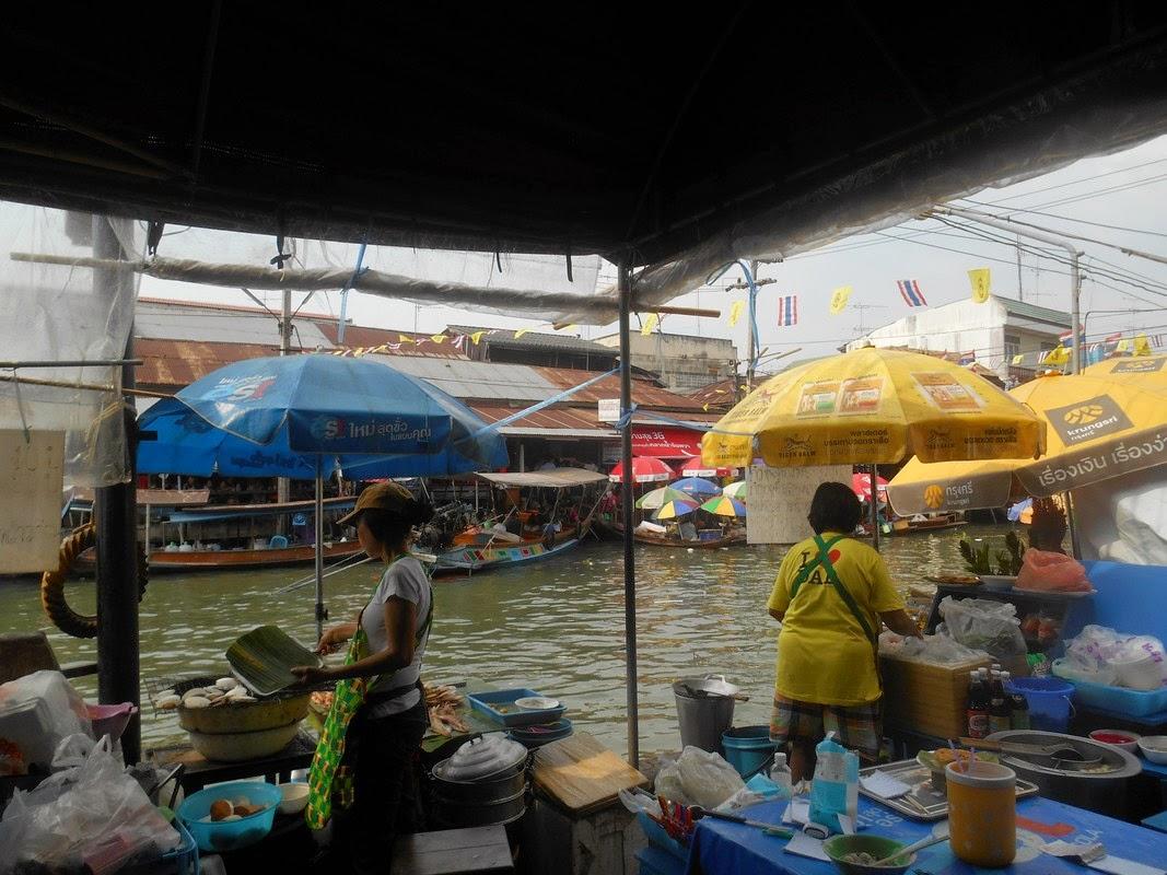 mercato galleggiante amphawa thailandia