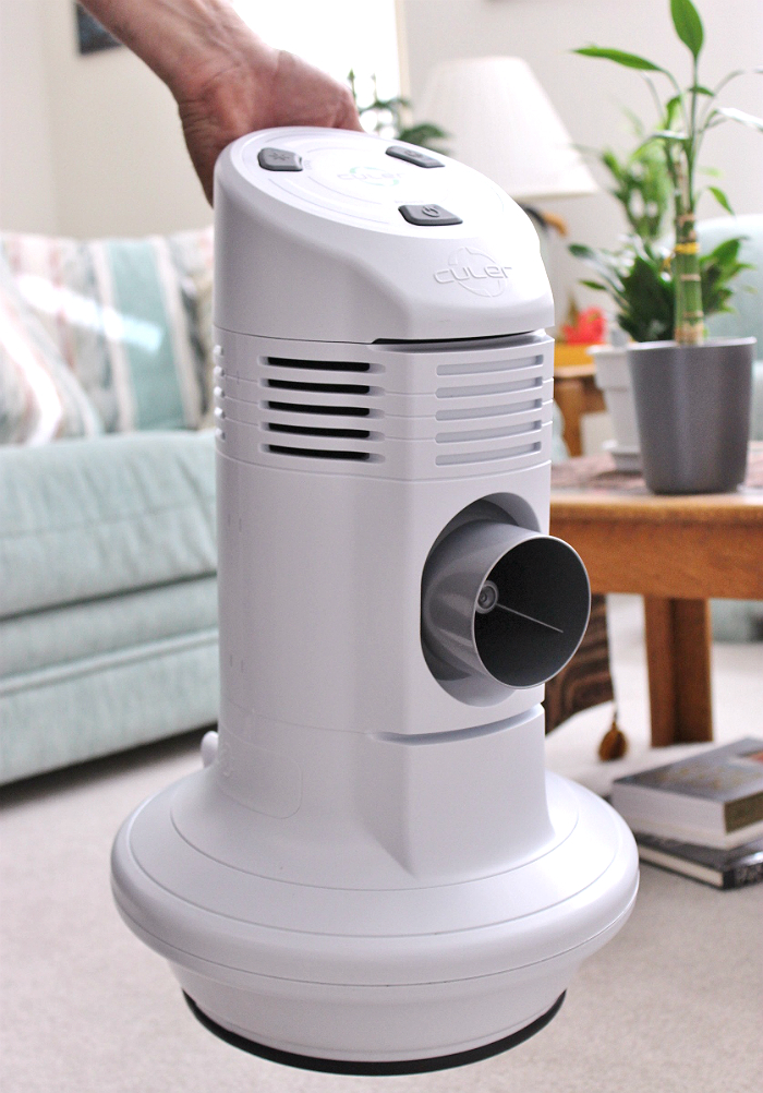 The Culer SOLO CS10 Flash-Evaporative Cooler is an affordable and eco friendly way to cool immediate spaces up to 22 degrees. It's portable handle and optional car adapter make it great for using on the go.