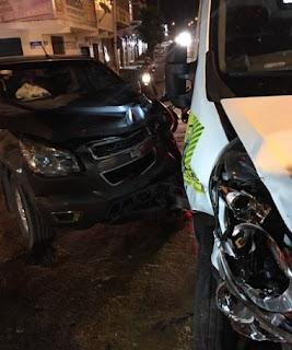 Ambulância de Pedra Lavrada se envolve em acidente de trânsito em Campina Grande
