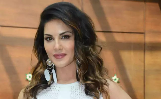 Sunny Leone Wiki, Height, Weight, Age, Husband, Family and Biography