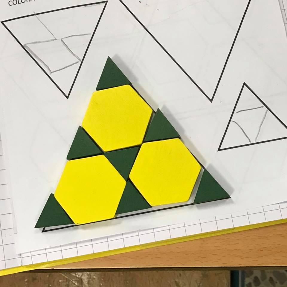 Quante Piastrelle Ci Sono In Una Scatola Immagine Titolata Install Glass Tile Step With Quante
