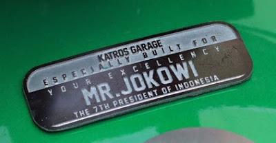 Ini Penampakan Nama Joko Widodo Di Tangki Motornya