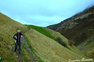 Sendero-Cueva-Arpea-Selva-Irati