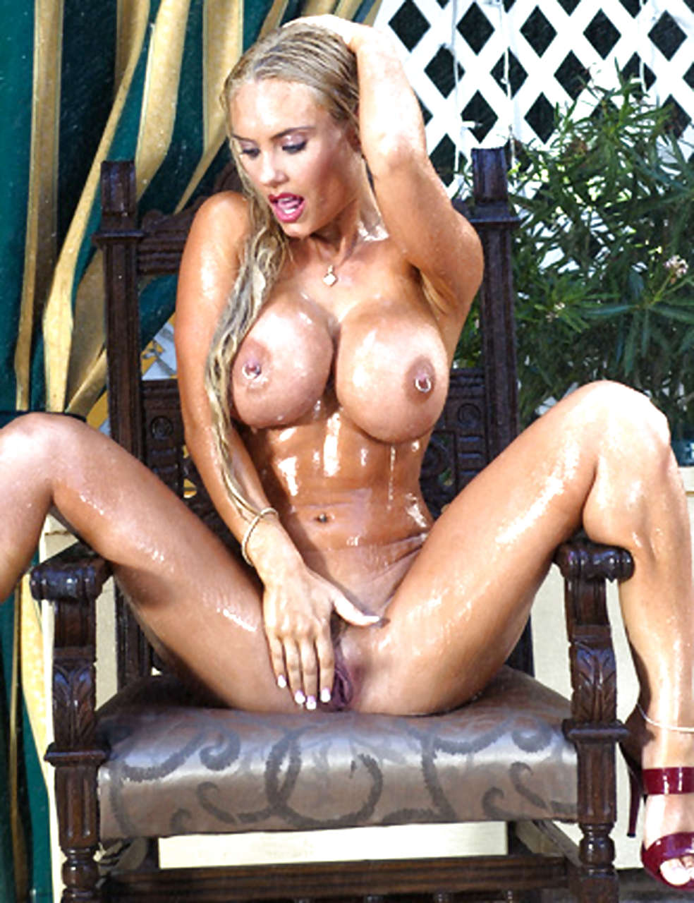 Nicole Coco Austin Exposing Huge Boobs And Shaved Pussy -8230