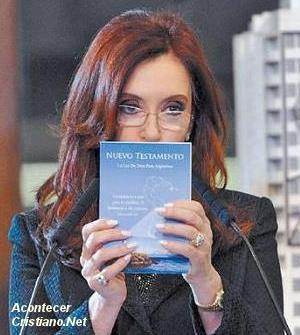 Cristina Fernández de Kirchner con Nuevo Testamento