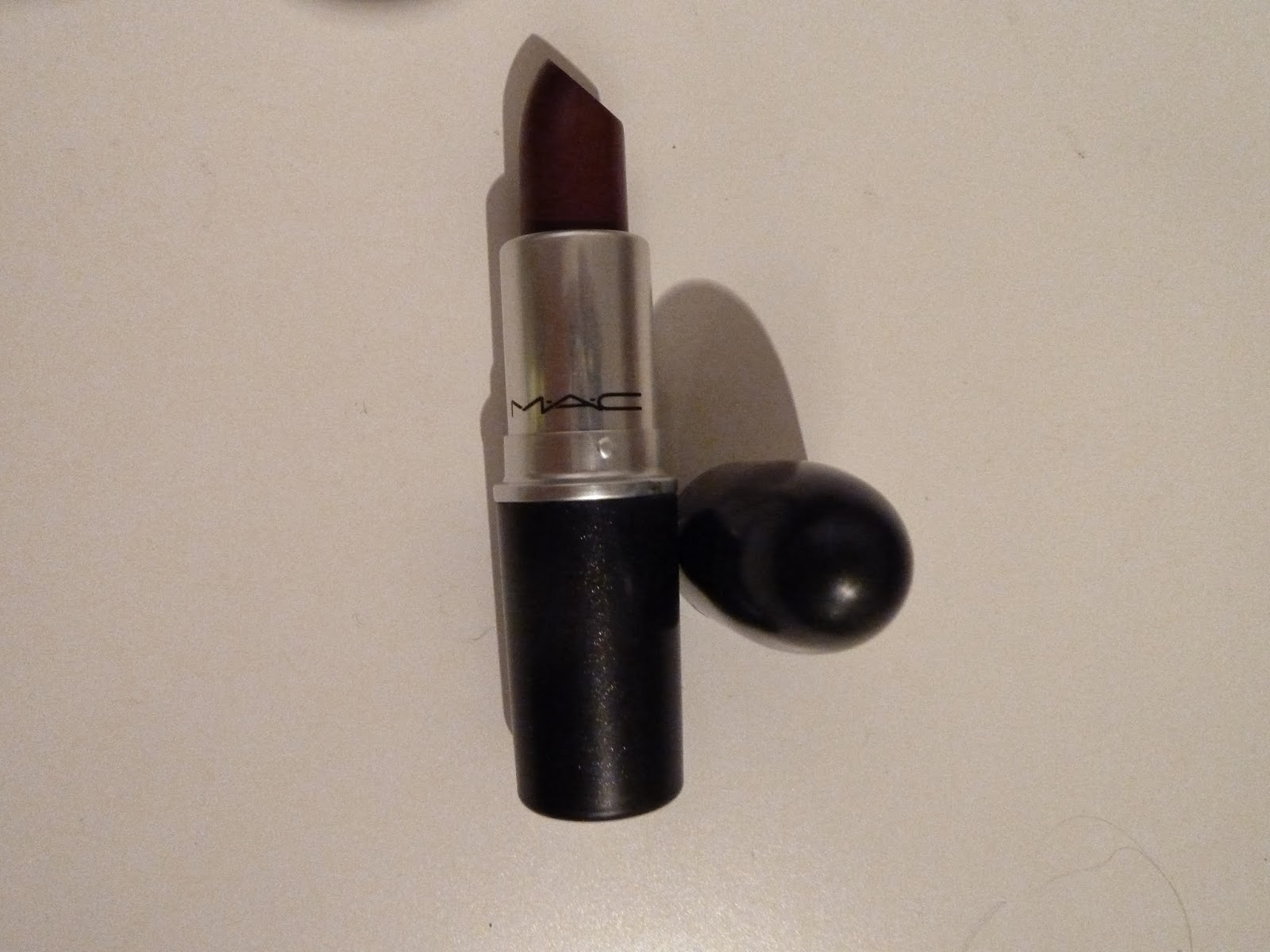 MAC Lipstick in Diva and Lipliner in Nightmoth | FABUGLOSS