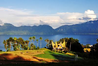 Wisata Danau Maninjau