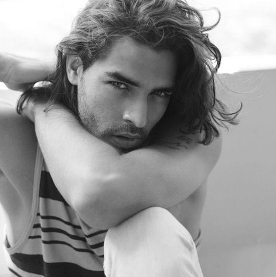 aqu las mejores imgenes de seductores peinados para hombres con pelo largocomo fuente de inspiracin with peinados hombre pelo largo