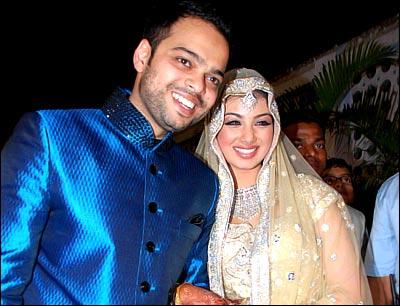 Bollywood and Hollywood updates: Ayesha takia married