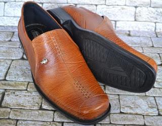 Gambar Sepatu Kulit Pria Warna Tan Bagus