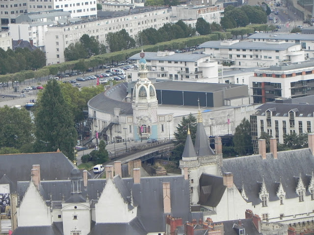 Torre LU vista da Torre da Bretanha - Nantes - França