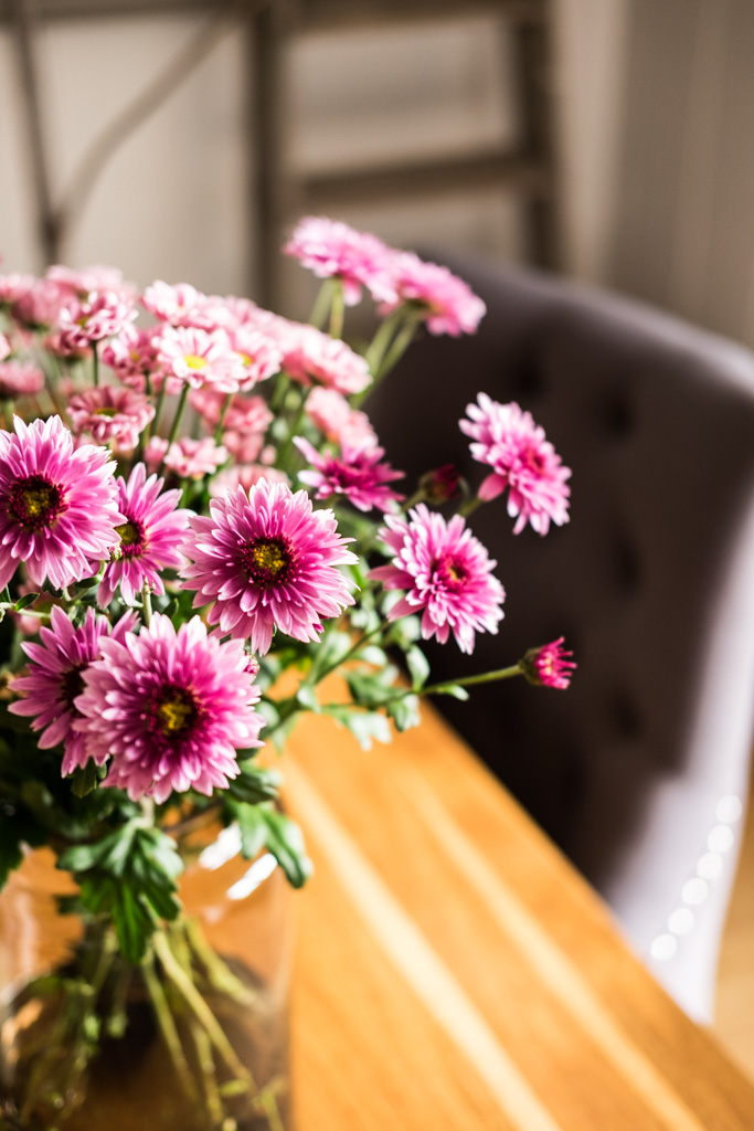 Chrysanthemen-Blumendeko in Cyclam und Babyrosa by fim.works Lifestyle Blog