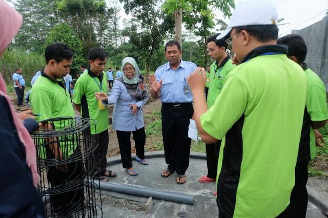 Para Santri Jombang Belajar Budidaya Lele Sistem Bioflok