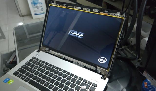 """Memperbaiki LED Laptop yang Gelap """" Backligh mati """""""