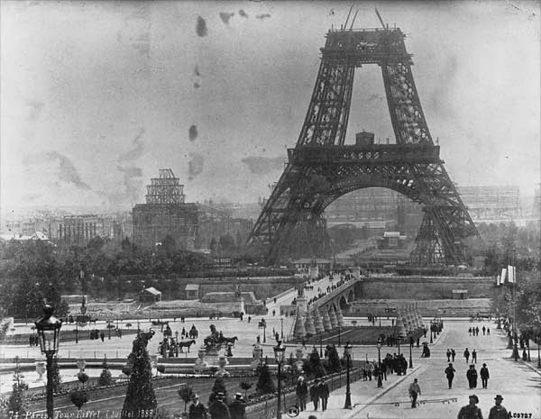 Ultimate Collection Of Rare Historical Photos. A Big Piece Of History (200 Pictures) - The Eiffel Tower