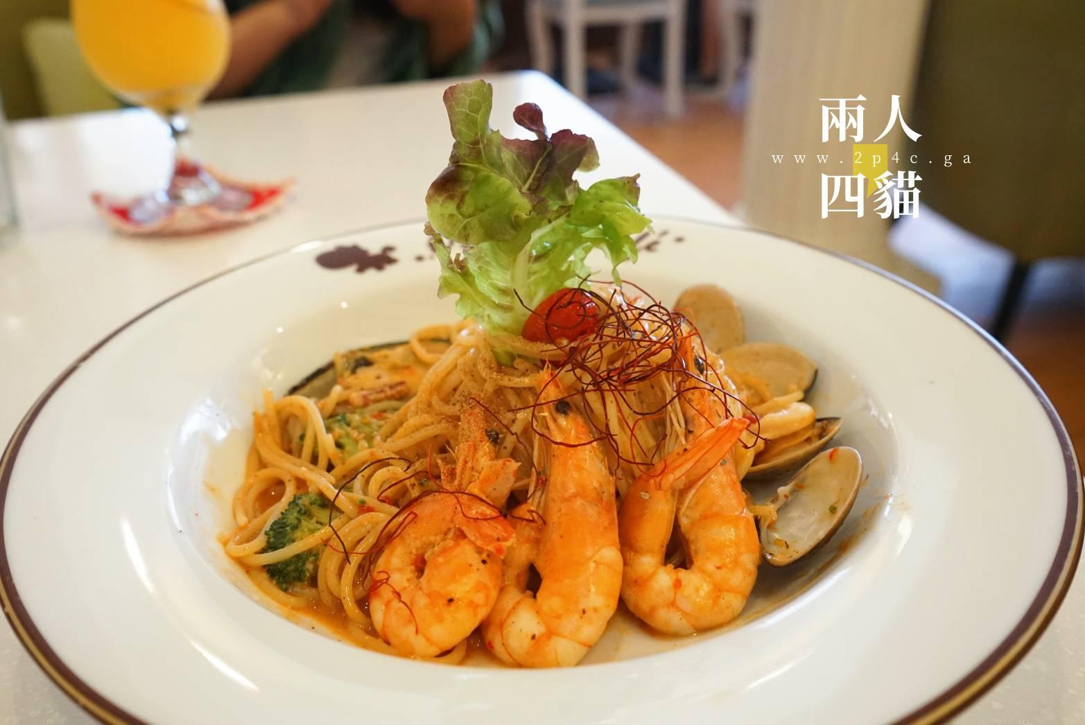 【板橋|美食】板橋新埔站兩分鐘!都市生活中的夢幻鄉村咖啡館『Oyami Cafe』