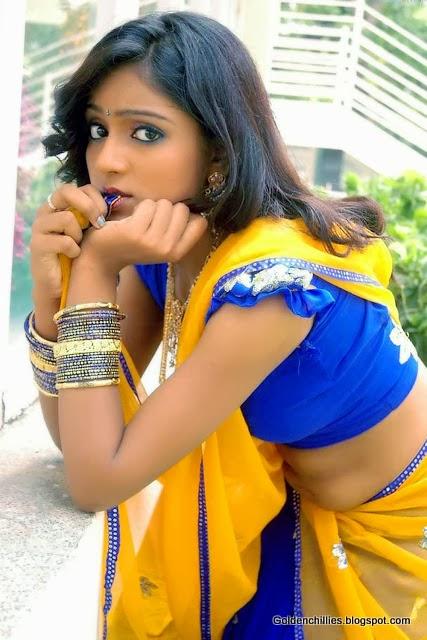 hot keerthi navel pics in half saree