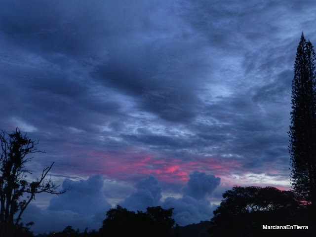 Atardecer nuboso en Boquete, Panamá