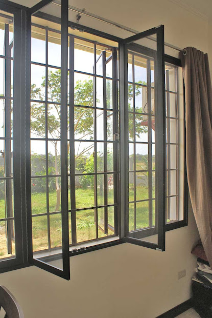 Beautiful Window House Design - Bahay Ofw