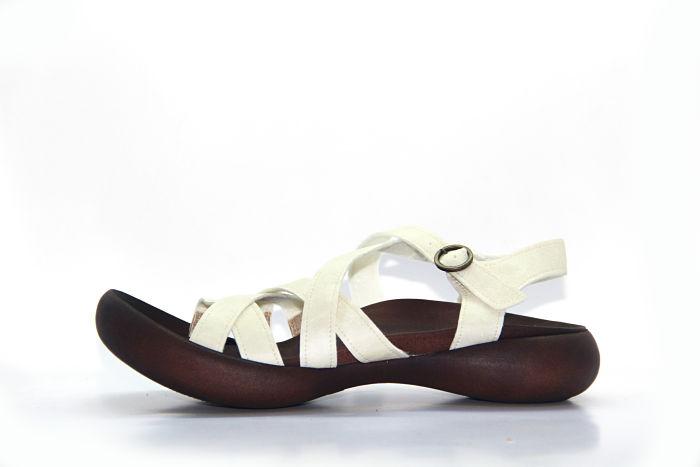 M1 Women River Island Nara Low Block Heel Sandal in black
