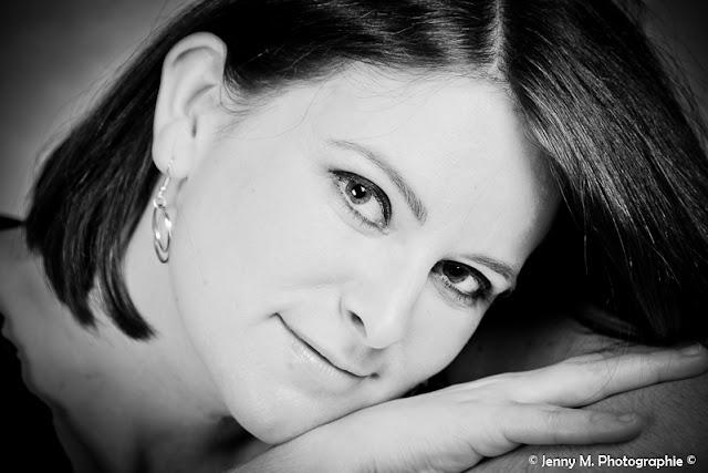 portrait femme gros plan noir et blanc