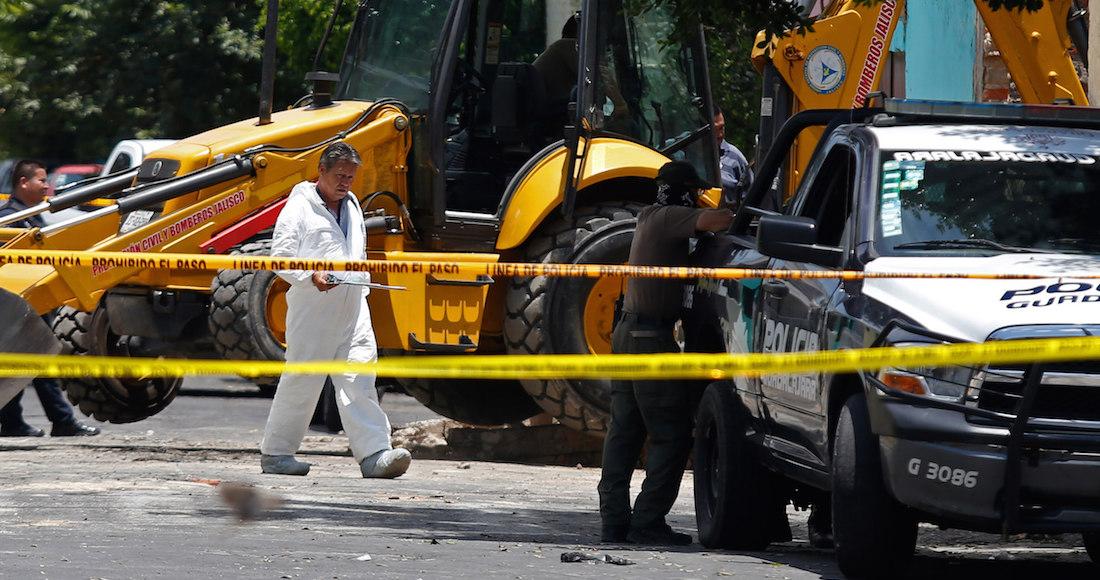 En tierras del CJNG, peritos siguen localizando cuerpos en fosa de Guadalajara; hasta ahora van 10.